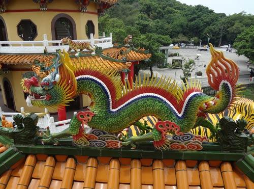 台湾南部旅行高雄龍虎塔