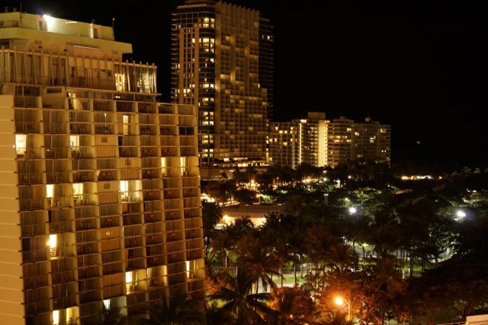 ハワイホテルの夜景