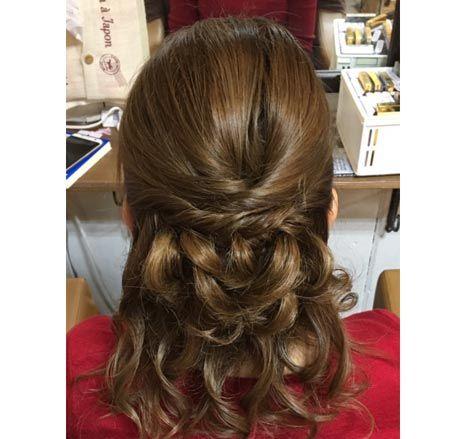 ハワイ結婚式での女性参列者の髪型