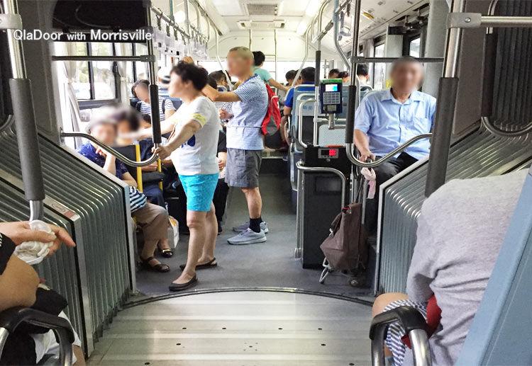 上海の路線バスの中