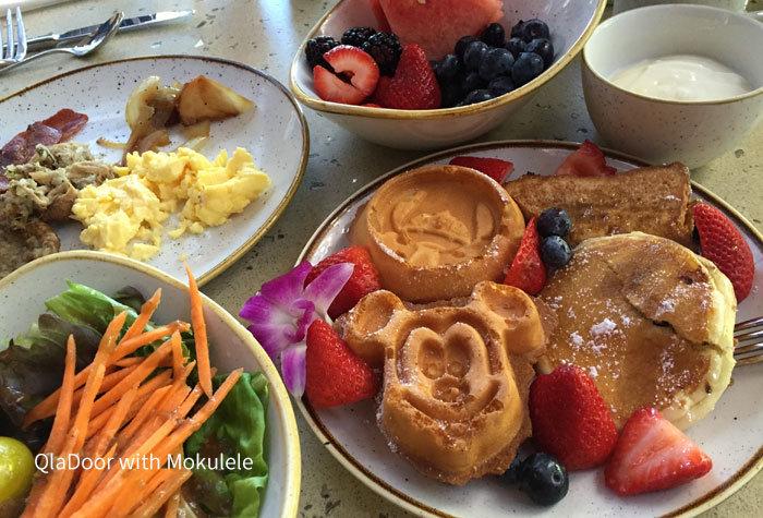 アウラニディズニーのキャラクター朝食盛り付け