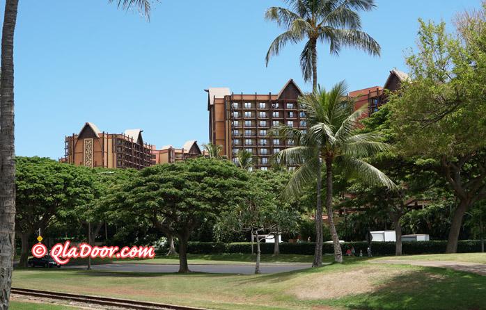 コオリナ駅から見たハワイのアウラニディズニーリゾート&スパ