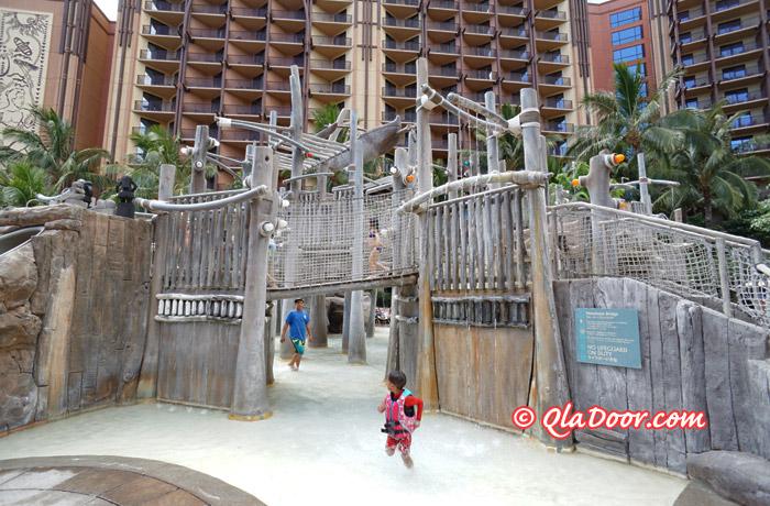 ハワイ・アウラニディズニーの子供用アトラクションプール