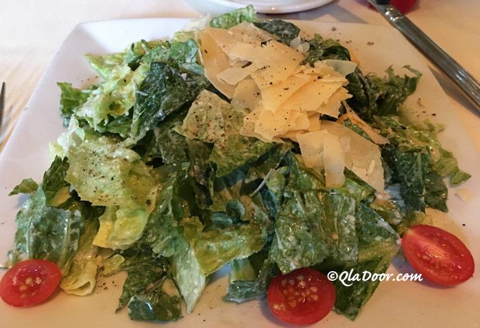 ルースズクリス・ステーキハウスのプライムタイムのメニュー・サラダの写真