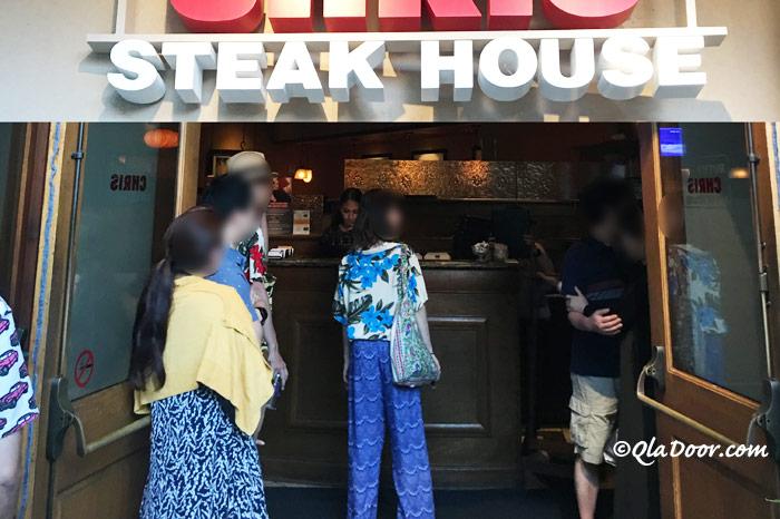 ルースズクリス・ステーキハウスのハワイ・オアフ・ワイキキ・ホノルルのドレスコードの写真