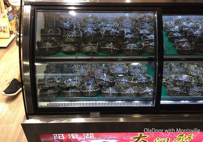 上海空港で売っている上海蟹
