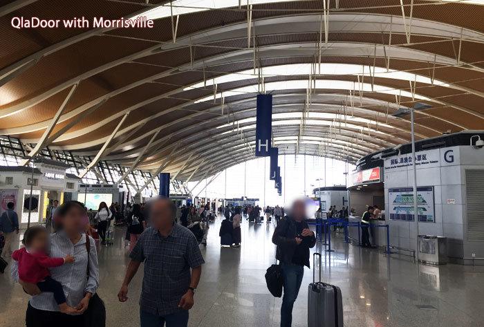 上海浦東国際空港のターミナルの様子