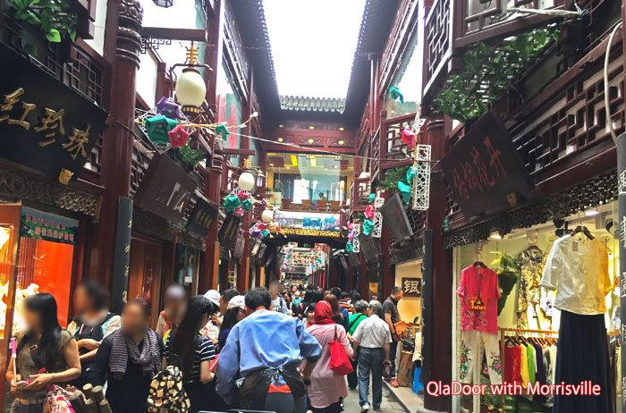 上海観光スポット豫園の街並み