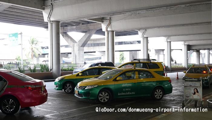 ドンムアン空港のタクシ