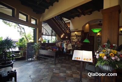 ワットアルンの夜景のレストラン・The deck