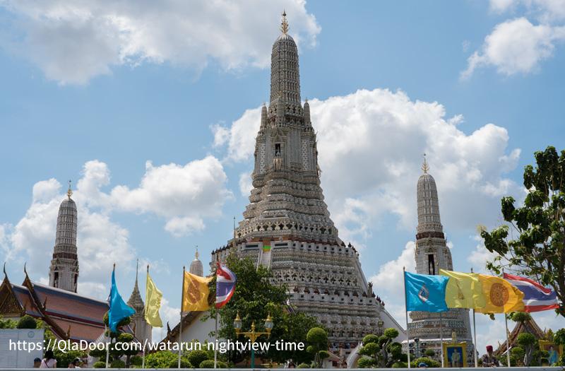 タイ3大寺院のワットアルン