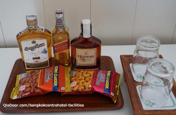 バンコクセンターホテルの有料ミニバー