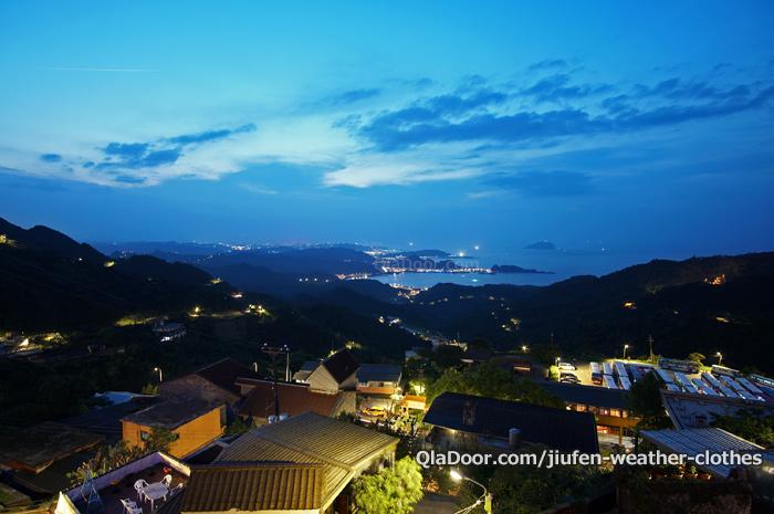 台湾・九份の日没時間と日の入りの夜景
