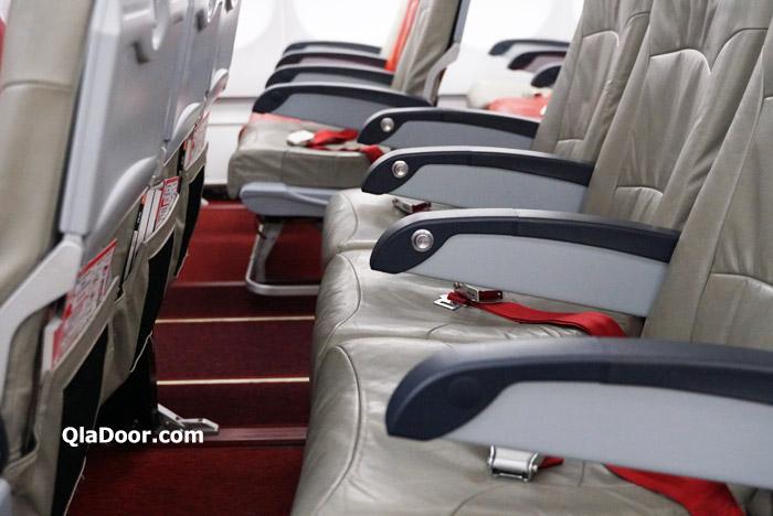 エアアジアX・ハワイの座席は狭くてしんどい