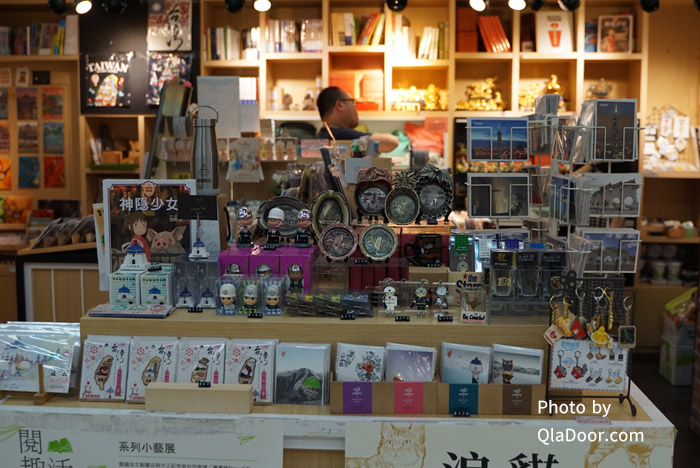台湾・中正紀念堂のお土産店