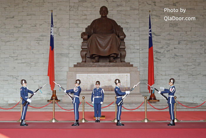 中正紀念堂の衛兵交代式と時間