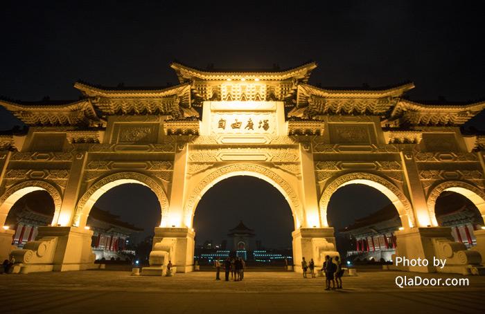 中正紀念堂のライトアップ