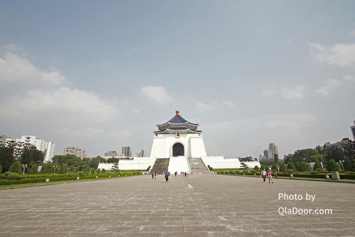 中正紀念堂の衛兵交代式の場所本堂