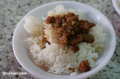 孤独のグルメ台湾・永樂担仔麺の魯肉飯