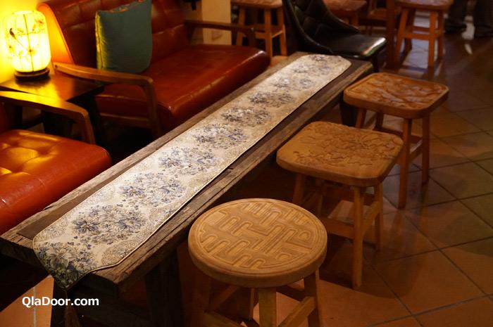迪化街の魯蛋茶酒館のレトロな雰囲気