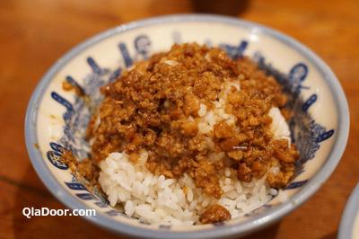 台湾グルメ・度小月の魯肉飯