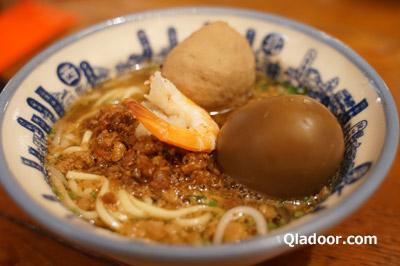 度小月の担仔麺とアヒルの卵