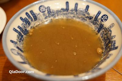 度小月の担仔麺のスープ