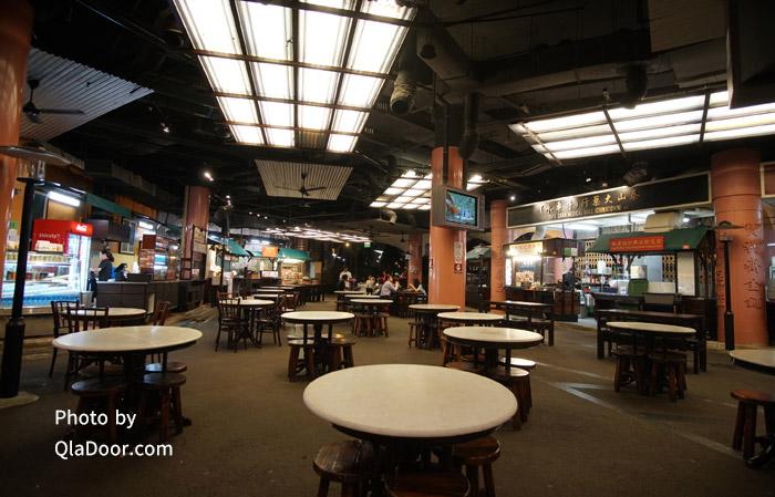 シンガポールフライヤーのフードコートとレストラン