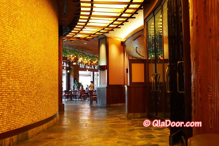 ハワイ・アウラニディズニーのキャラクター朝食場所のマカヒキレストラン