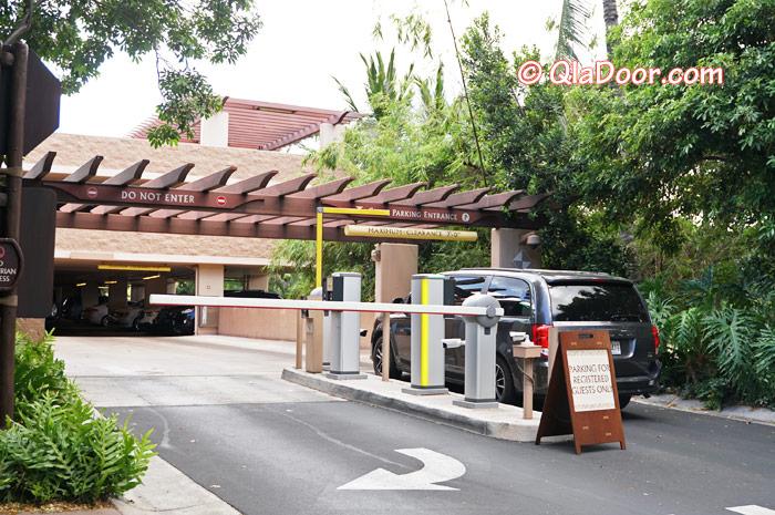 ハワイ・アウラニディズニーの駐車場