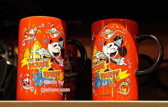 アウラニディズニーのミッキー&ミニーマグカップ