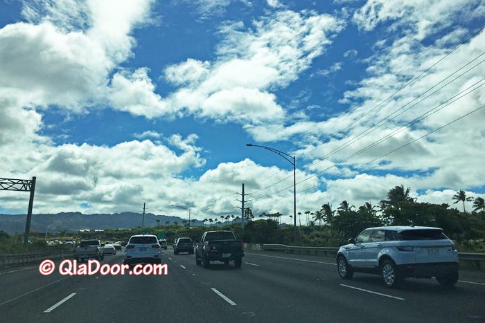 ハワイ・アウラニディズニーコオリナに行く途中・レンタカーの中で