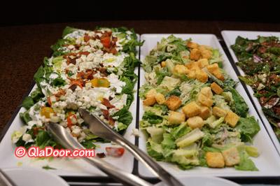 アウラニディズニーの夕食サラダ