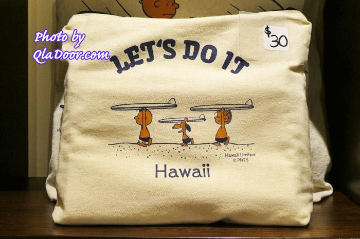 ハワイの日焼けスヌーピー・モニホノルルのスモールポーチ