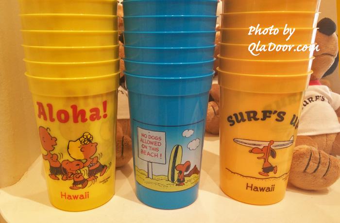 ハワイの日焼けスヌーピー・モニホノルルのプラスチックコップ