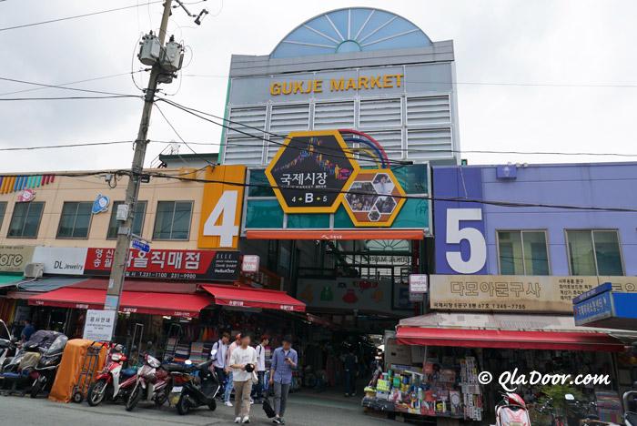 釜山観光のスポット国際市場