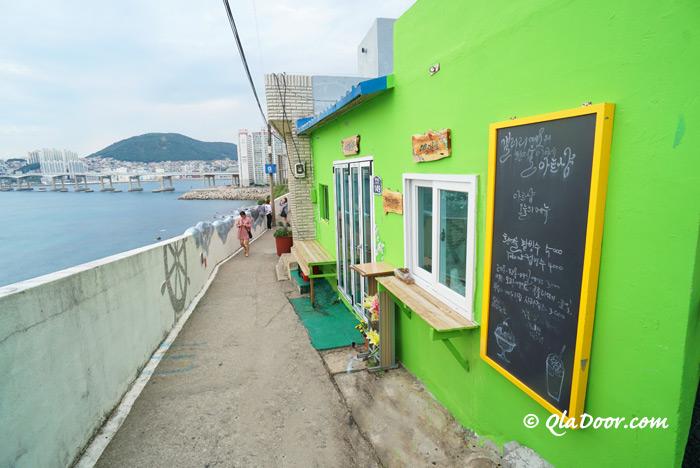 釜山のサントリーニ島と言われるヒンヨウル文化村