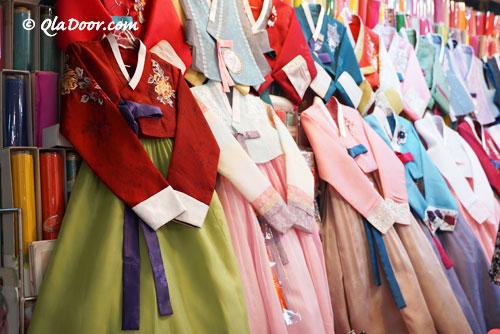 釜山鎮市場の韓服・チマチョゴリ