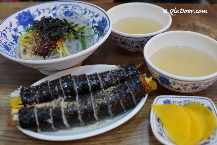 釜山富平カントン市場のおすすめグルメ・キムパプとビビン春雨