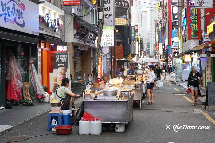 釜山西面のモッチャコルモックのトッポッキ通り