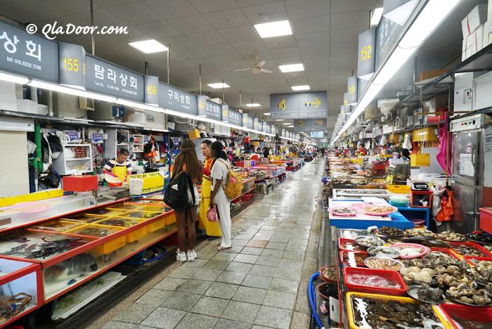 釜山チャガルチ市場