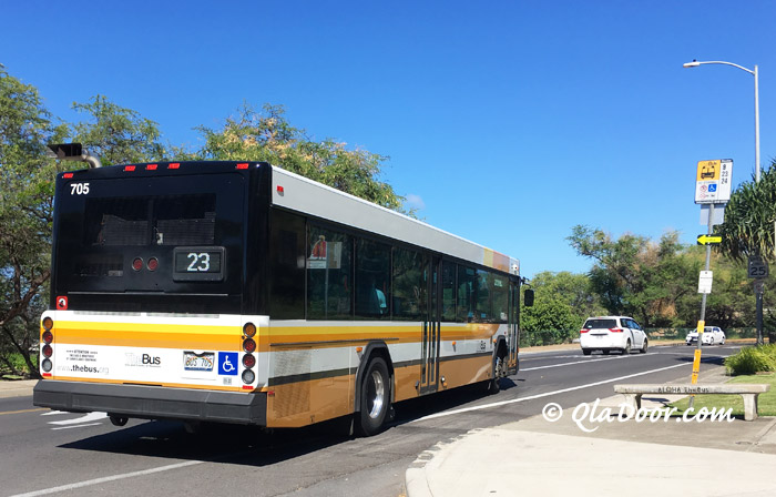 ダイアモンドヘッド行きの23番バス