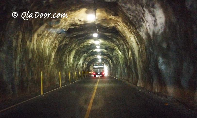 ダイヤモンドヘッド行きのトンネル