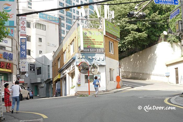 釜山観光地・南川洞のパンチョン洞ストリート
