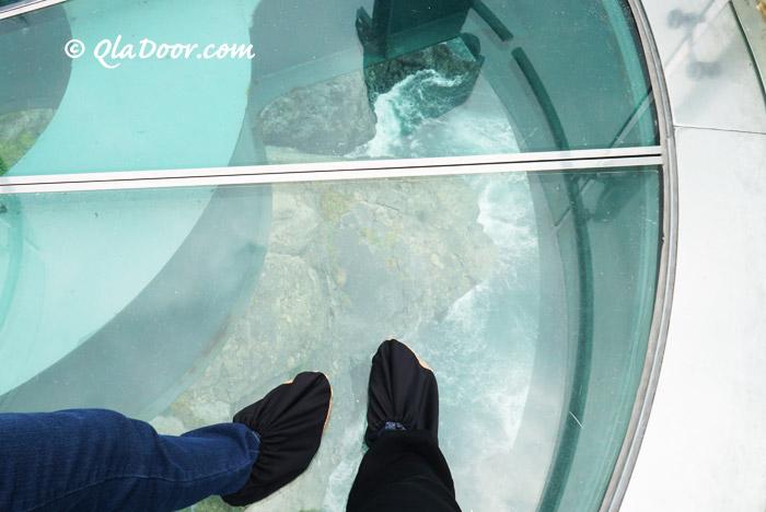 五六島スカイウォークから見える下の光景