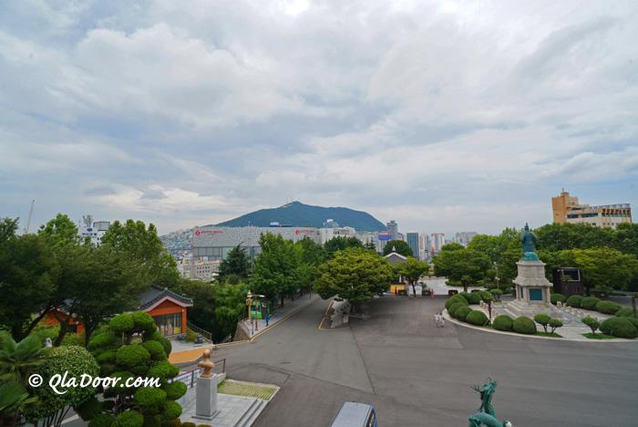 龍頭山と釜山タワーからの景色