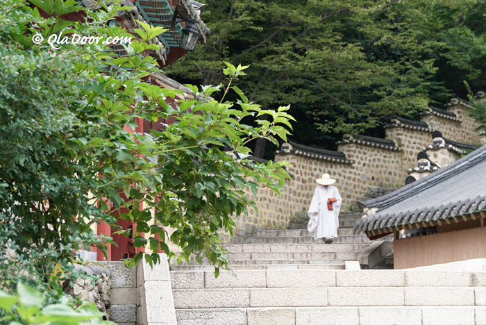 釜山の梵魚寺・韓国美の階段