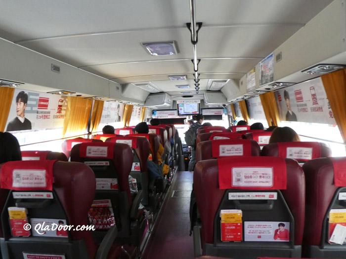 韓国一般リムジンバスの座席