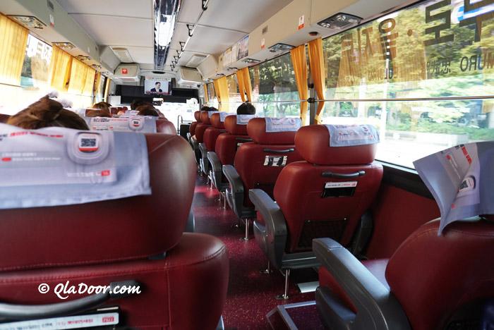 仁川空港から明洞行きの高級リムジンバスのシート