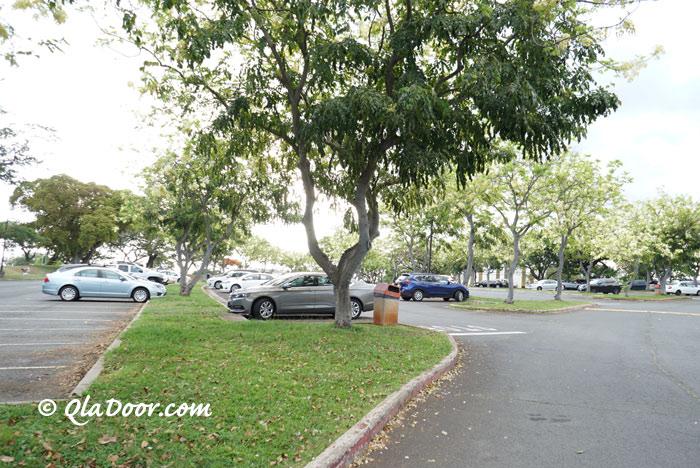 ハワイKCCファーマーズマーケット・火曜日の駐車場